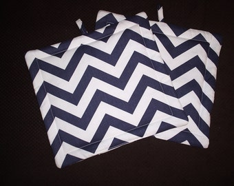 Set of 2 Potholders in Navy and White Chevron fabric.