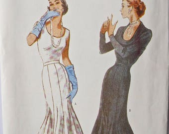 Retro Butterick 6699 1950's Reproduction Vintage Sewing Pattern Semi-fitted Flared 8 Gore Skirt UNCUT Factory Folds Size 12-16 Waist 26.5-30