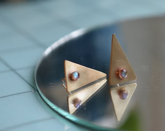 opal triangle post stud earrings, brass, brushed // OPAL TAPER