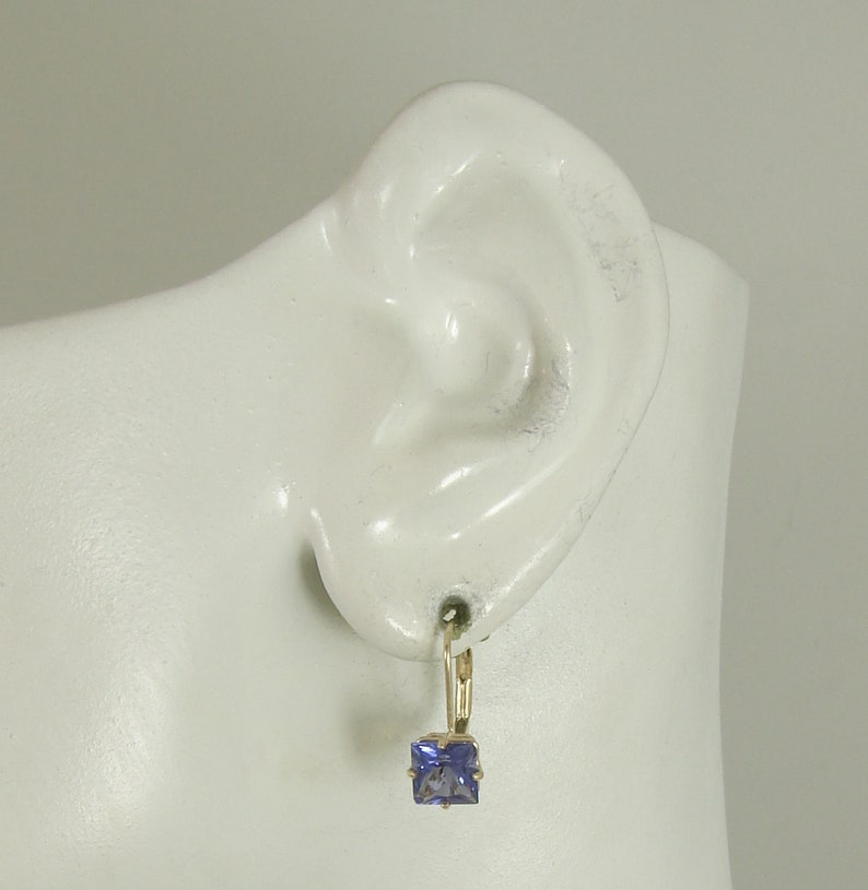 14KMT6MSQFLB Solid Gold Man Made Tanzanite Square Fixed Gemstone Lever Back Earrings European Earring Wires Spring Closure 14K
