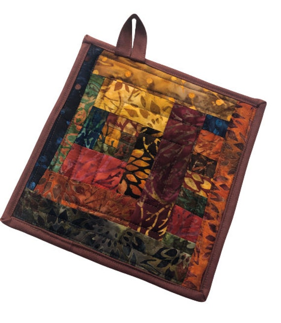 Quilted Pot Holder in Batik Fabric Patchwork, Vibrant Cloth Hot Pad in Earth Tones