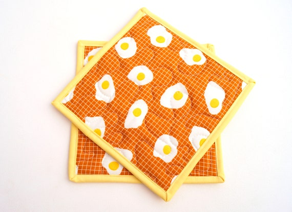 Quilted Fabric Pot Holders with Egg Pattern, Breakfast Food Cloth Hot Pads, Set of Two