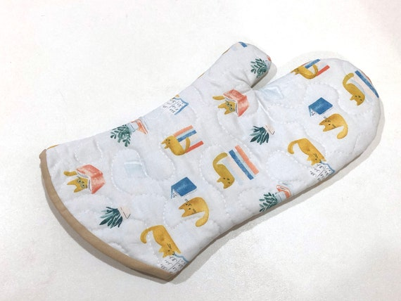 Cat Fabric Quilted Oven Mitt in Library Theme, with Hanging Tab Option