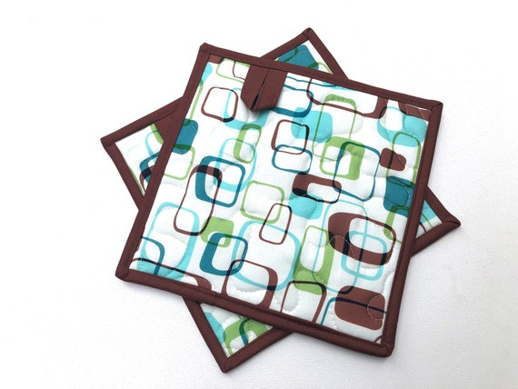 Quilted Fabric Pot Holders in Retro Pattern, Choice of One or Set of Two with Hanging Tab Option