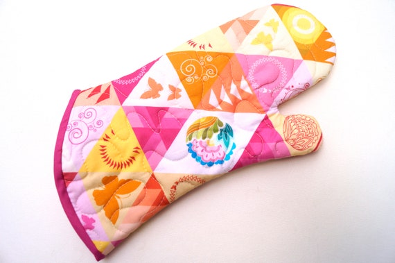 Quilted Fabric Oven Mitt with Colorful Triangle Print, Modern Kitchen Linen with Hanging Tab Option