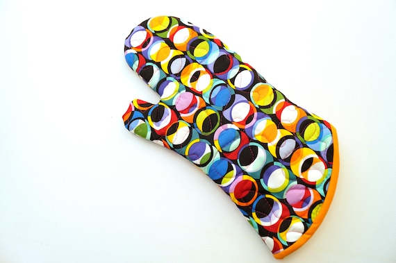 Quilted Oven Mitt with Colorful Circle Pattern Fabric