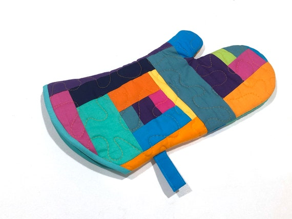 Quilted Fabric Oven Mitt in Colorful Batik Patchwork, Modern Cloth Kitchen Linen