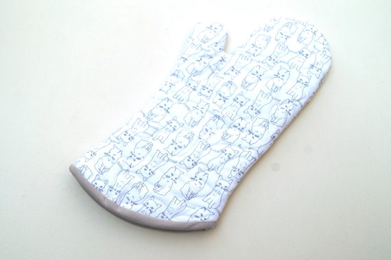 Quilted Oven Mitt in Cat Fabric in Grey and White