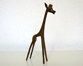 Modernist Style Giraffe