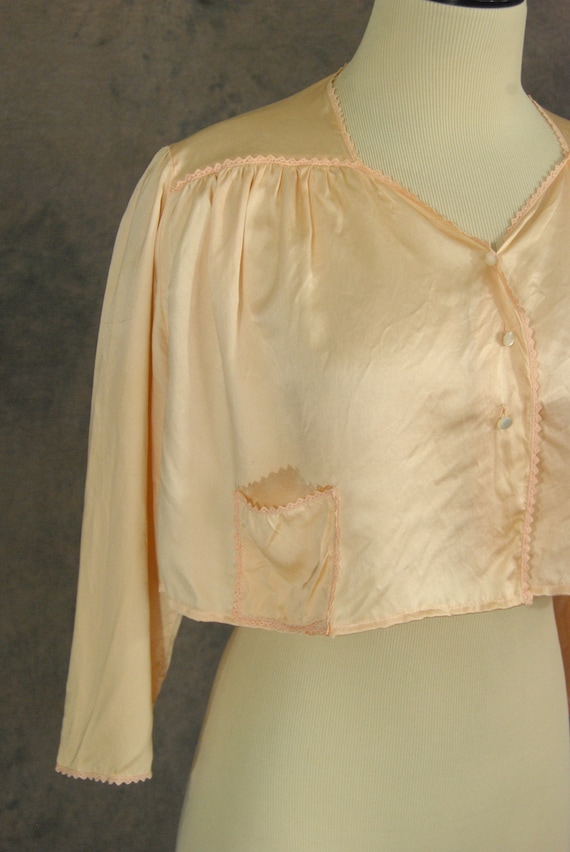 vintage 30 40s Silk Bed Jacket and Night Gown - 1… - image 4