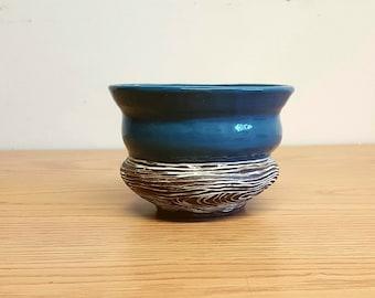 Wood grain and Blue Colour blocked vessel