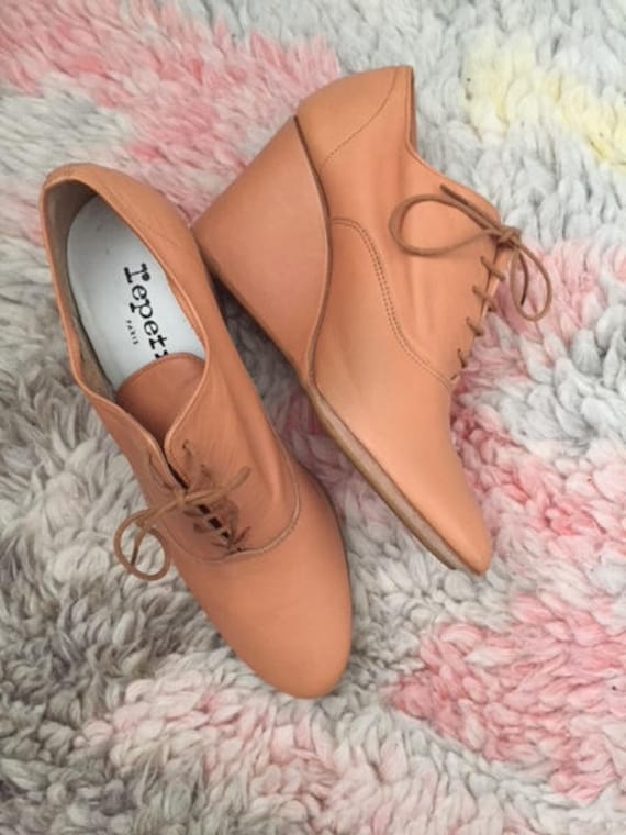Repetto Oxford Wedges Tan 38