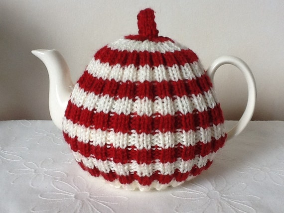 Traditional English Tea Cosy 4 Cup Pot Red And Cream Etsy