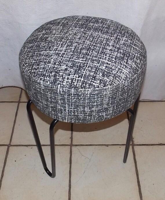 Pleasing Black 3 Leg Vanity Stool Bn123 Evergreenethics Interior Chair Design Evergreenethicsorg