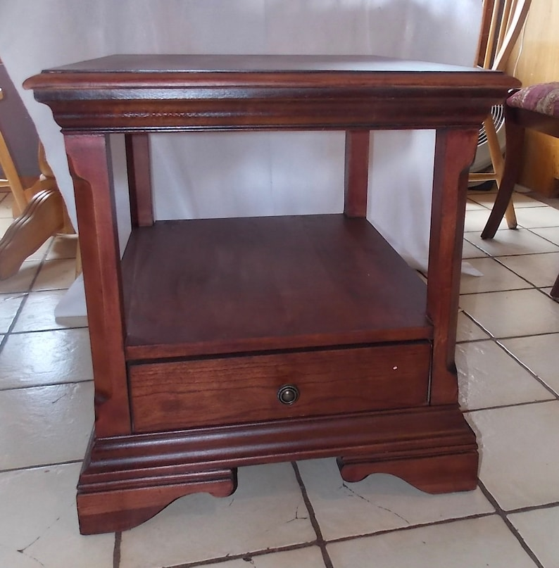 Delicieux Mahogany End Table / Side Table With Drawer By Broyhill