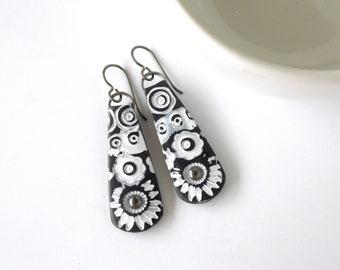 Lightweight Earrings With Flower Design
