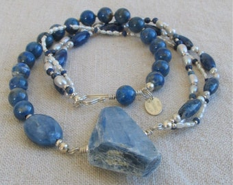 Kyanite and Lapis Lazuli Edgy Blue Necklace, Rough Blue Kyanite Pendant, Lapis and Pearls, Statement Necklace, Gift for Her, Ready to Ship