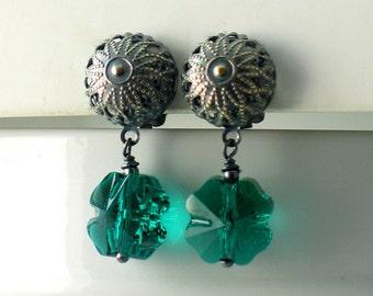 Green Irish Shamrock Earrings, Clip-on Green Swarovski 4 Leaf Clover Drops, Irish Drop Earrings, St Patricks Day, Spring, Lucky