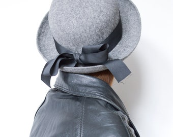 24ae4d20 vintage 1990s Kangol grey wool felt bowler hat