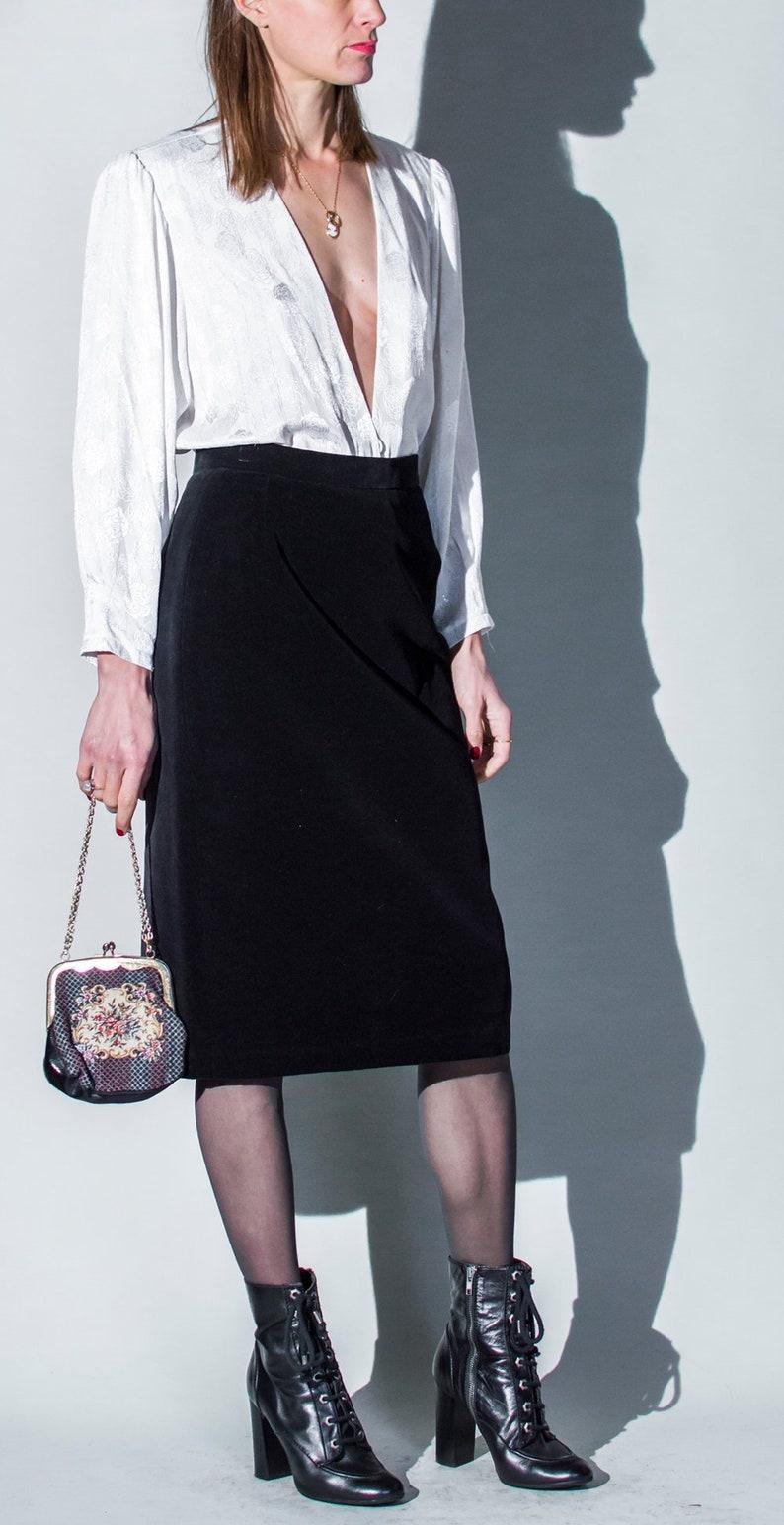893a999812c185 Vintage 1970s black velvet hi rise pencil skirt UK8 10