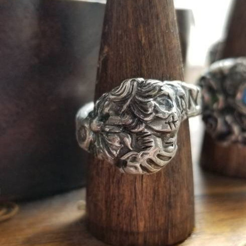 silver Victorian cameo skull ring image 0