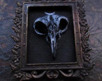 Bird skull sculpture in brass vintage frame - wall art miniature - Artwork painting sculpt
