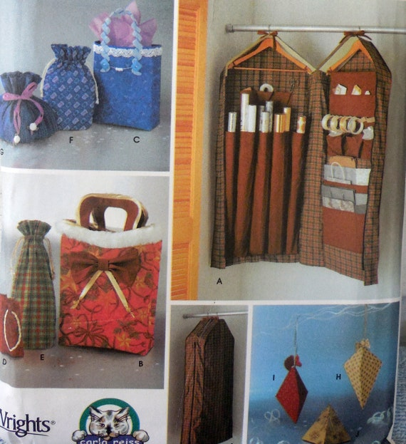 Christmas Gift Bags Diy.Simplicity 5777 Great Diy Christmas Gift Bags Wrapping Paper Storage Station Gift Hiding Xmas Ornaments Lovely Handy Gifts