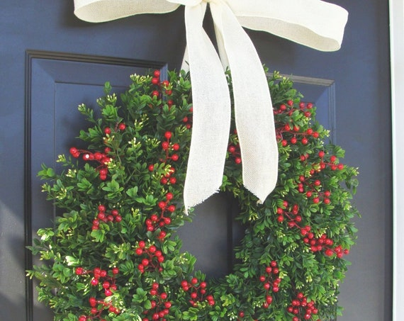 Weatherproof Boxwood Red Berries Christmas Wreath-Holiday Wreaths-Winter Christmas Decor-Thin Storm Door Wreath Decoration14-24 inch