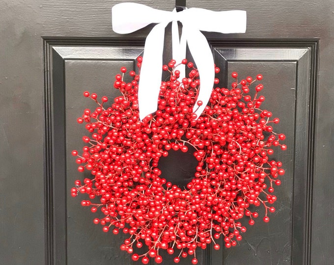 Outdoor Extra Full Red Berry Wreath, Weatherproof Berry Christmas Wreaths,Durable Winter Wreath, Traditional Christmas Wreath for Front Door