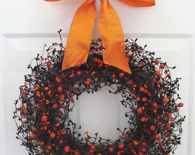 Halloween Decor, Mini Pumpkin Halloween Wreath, Halloween Decoration, Berry Wreath with Ribbon, Berry Wreath, Fall Wreath