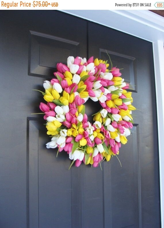 SUMMER WREATH SALE Silk Thin Spring Tulip Wreath, Storm Door Wreaths, Front Door Outdoor Wreath,  Front Door Spring Decor Sizes 14-24 inch