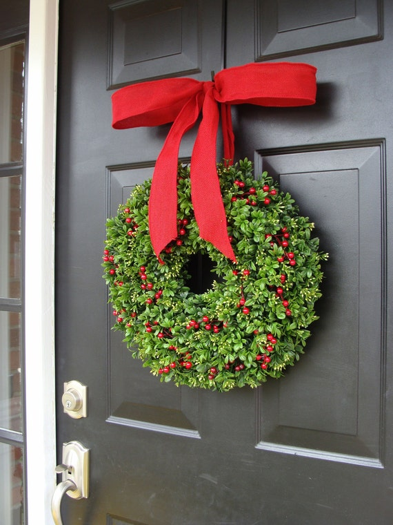 Christmas Berries Boxwood Holiday Wreath Christmas Wreath with Designer Ribbon, Boxwood Wreath, Berry Wreath, Winter Wreath, Sizes14-26 Inch
