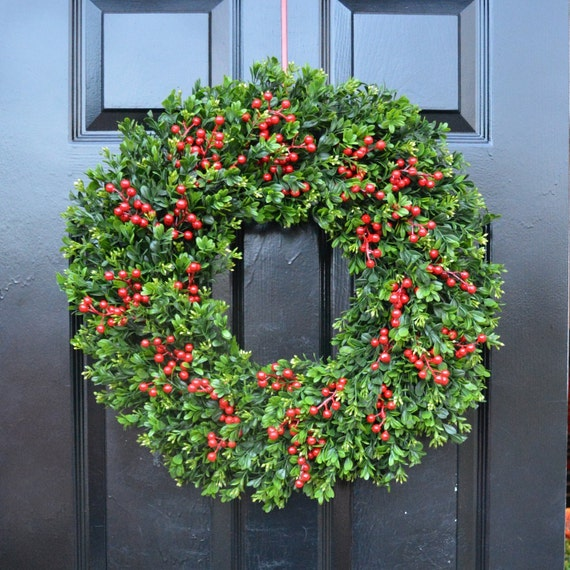Thin Boxwood Red Berries Christmas Wreath-Outdoor Weatherproof Holiday Wreaths-Winter Decor-Thin Storm Door Wreath Decoration 14-24 inch