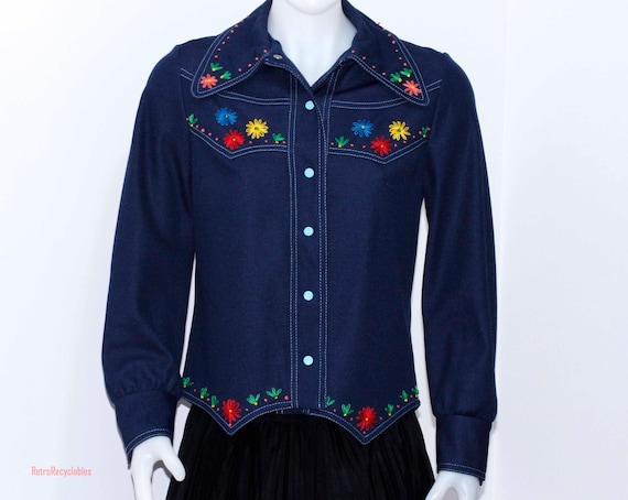 1970's western style shirt, embroidered flowers, v