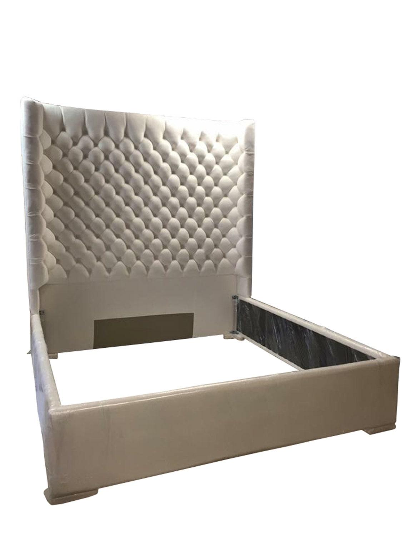 Blanco lateral copetudo cama King tamaño Queen de tamaño
