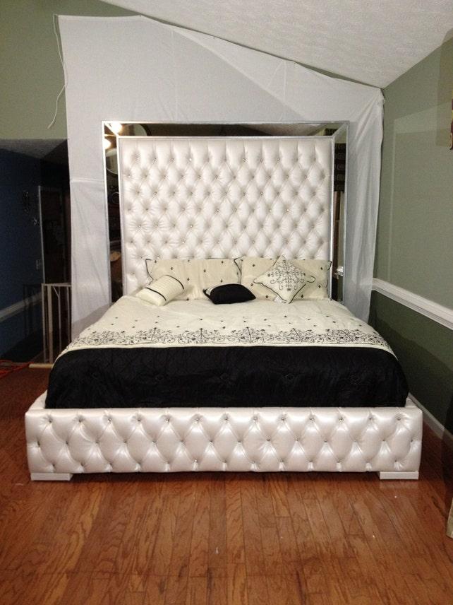 Luxuriöse König Tufted Bett mit Spiegel und Strass Bett mit   Etsy
