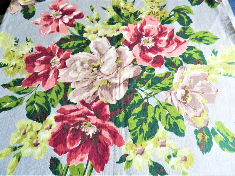 6 YDs NOS 1940s Gray Floral Fabric Large Home