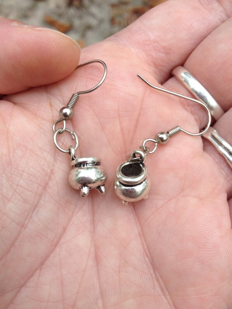 Tiny Cauldron Earrings Cerridwen inspiration image 0