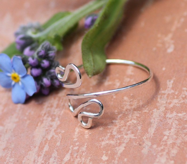 Twisted sterling silver midi ring ~ Hammered toe ring ~ Silver toe ring ~ Adjustable toe ring ~ Toe jewelry ~ Above knuckle ring