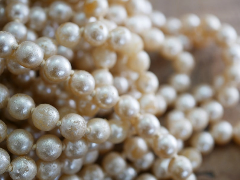 About 830 beads Craft Lot of Shabby Glass Pearl Beads Japanese 8MM SP3