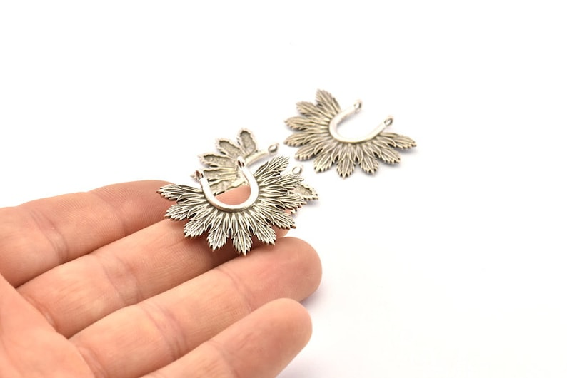 2 Antique Silver Plated Brass Leaf Charm Pendants With 2 Loops Earrings N820 H935 Findings 33x25mm Silver Leaf Charm