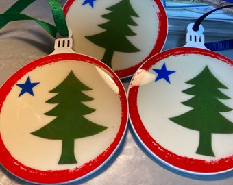 Pole Star & Pine Tree Maine Ornament-Fully Resined-Original Maine Motif- Colonial Flag Motif-Hand Poured Resin-2 Sided-Maine Made