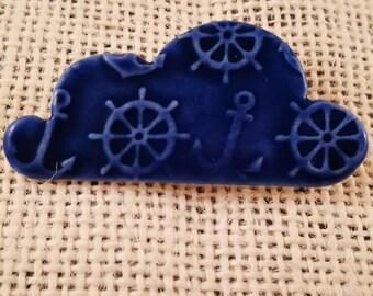 Porcelain ceramic cloud brooch with textured nautical design, darkblue,