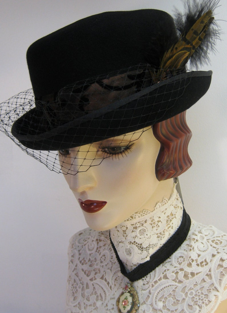 58e3bb01b65 Lady Mary s English Riding Hat