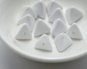 Vintage Opaque White Lucite Triangle Beads 11mm (20)
