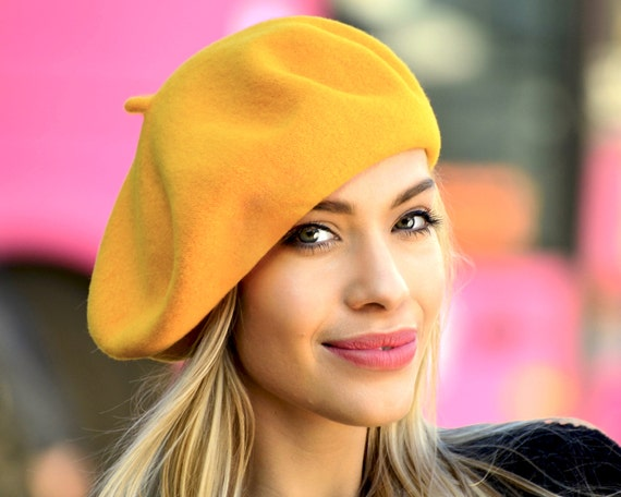 Cadeau des années 1940 tuque laine chapeau Beret Basque   Etsy ded6b03dddd