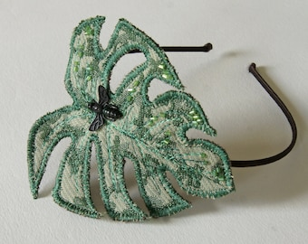 Monstera leaf headband in green jacquard with chop beads