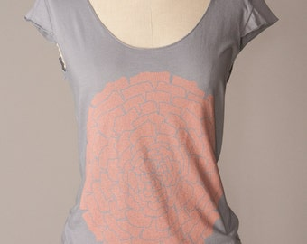 womens flower tshirt, womens tshirt, gray tshirt, coral-and-gray, gray-and-coral, coral ranunculus flower