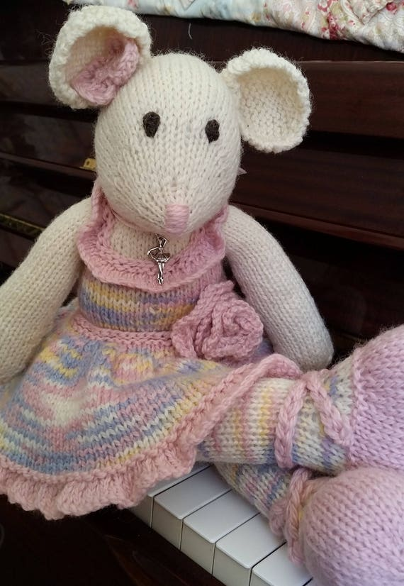 Ravelry: Ballerina-Mouse pattern by Mari-Liis Lille | 826x570