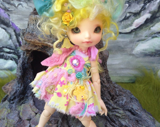 "Angel Babyz Art Wig, Dress Bloomers and Slippers forFairyland RealFee, Lati Yellow SP, and similar size 20cm or 8"" dolls"
